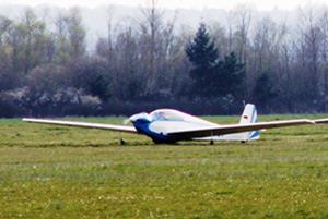 Glider at the gliding club © OTSI de Saint-Florentin