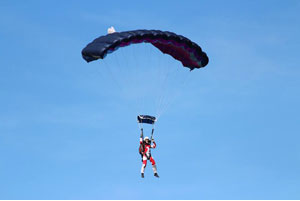 ParisJump parachustists © ParisJump